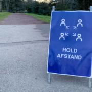 hold-afstand-skilt